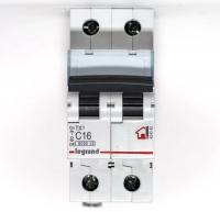 Выключатель автоматический модульный 2п С 16А ТХ 6кА Leg 404042